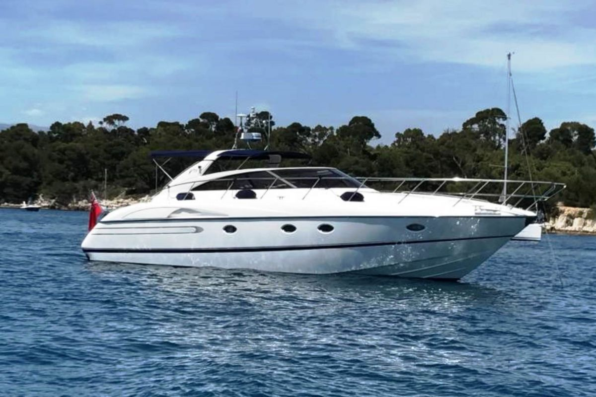 https://www.talamare.fr/medias/LOCATION YACHT PRINCESS V50