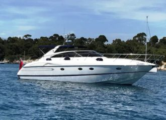 LOCATION YACHT PRINCESS V50